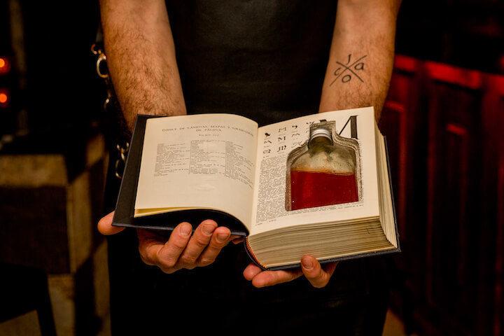 DECADENTE-coctel-Book-de-bourbon